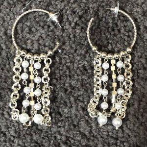 Jewelry - Hoop dangling earrings